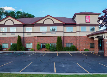 Red Roof Inn and Suites Lake Orion